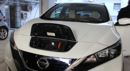 «Ηλεκτρική» η Περιφέρεια Θεσσαλίας – Παρουσιάστηκε το 1ο του είδους αυτοκίνητο στη Λάρισα (φωτο)