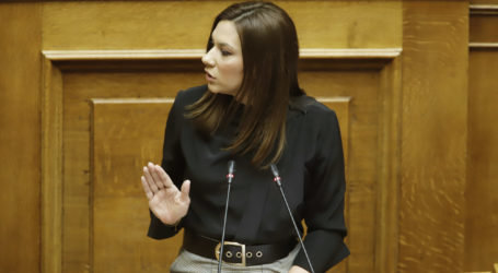 Στέλλα Μπίζιου: Στηρίζουμε τη μητέρα, τη γυναίκα, την εργαζόμενη