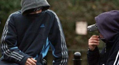 18χρονος κυκλοφορούσε στη Λάρισα με πυρσούς χειρός