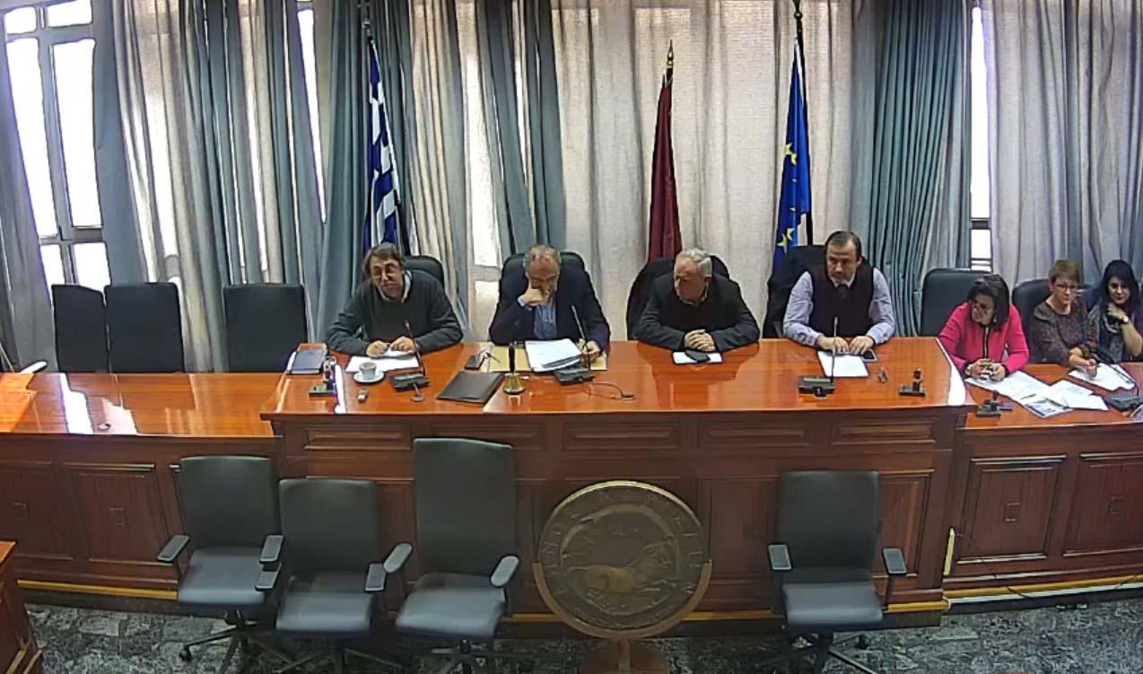 Δύο ψηφίσματα, καμία συμφωνία στο δημοτικό συμβούλιο Λάρισας για την αμυντική συμφωνία Ελλάδας – Η.Π.Α.