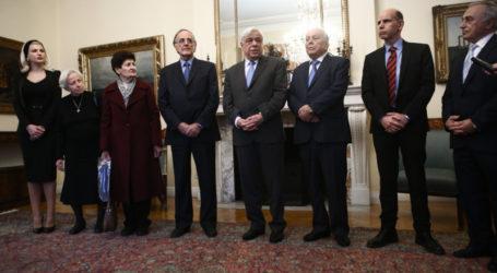 Με Γ. Σούρλα και συγγενείς Πεσόντων στο Αλβανικό Μέτωπο συναντήθηκε ο Παυλόπουλος