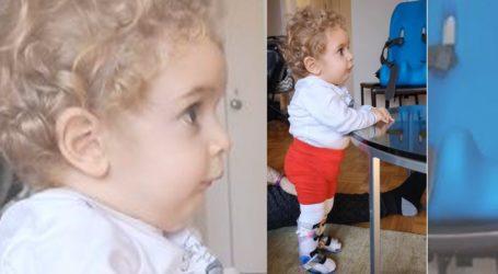 Συγκλονιστικό βίντεο: Ο μικρός Παναγιώτης Ραφαήλ στέκεται για πρώτη φορά στα πόδια του