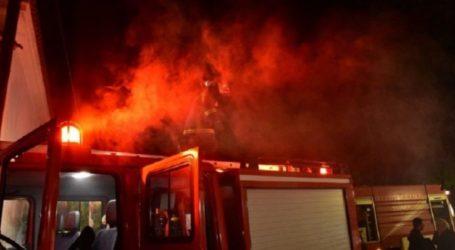 Φωτιά σε αποθήκη στη Γαλήνη Λάρισας