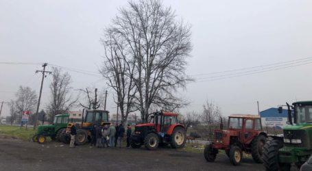 Ανύπαρκτη η έξοδος των τρακτέρ στη Λάρισα – Ματαιώθηκε η κινητοποίηση στα Φάρσαλα, προσδοκίες μόνον από Τύρναβο (φωτό)