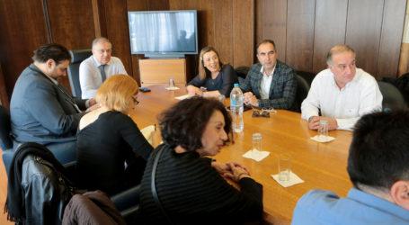 Θέσεις δημοσιογράφων στους Δήμους της χώρας – Συνάντηση με Θεοδωρικάκο
