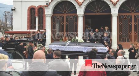 Βόλος: «Ράγισαν καρδιές» στην κηδεία του 42χρονου Γιώργο Τσιγαρίδα [εικόνες]