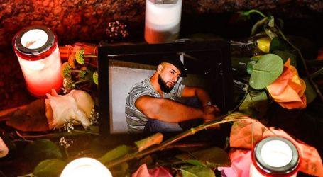 Συγκεντρώσεις και ολονυκτίες σε 50 πόλεις για τα θύματα της δολοφονικής επίθεσης
