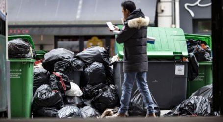 Το Παρίσι «πνίγεται» στα σκουπίδια λόγω της απεργίας των εργαζομένων στην καθαριότητα
