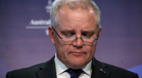 Ο πρωθυπουργός αποτίνει φόρο τιμής στα θύματα των πυρκαγιών