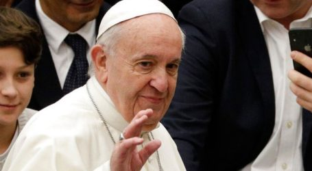Ο Πάπας κάλεσε τους πλούσιους του κόσμου να βάλουν τέλος στη φτώχεια