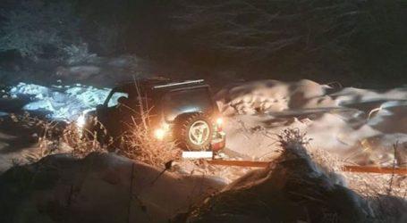Θεσσαλονίκη: Οδηγός εγκλωβίστηκε λόγω του χιονιά στο Αρδαμέρι
