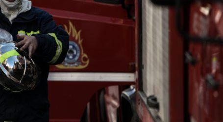 Φωτιά σε συνεργείο αυτοκινήτων στην Αγία Παρασκευή