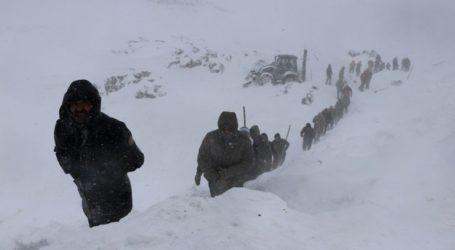 Τουλάχιστον 41 νεκροί από τις δύο χιονοστιβάδες στα ανατολικά της χώρας
