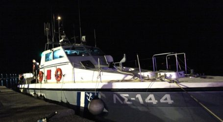 Στον Πειραιά το φορτηγό πλοίο που παρέμενε ακυβέρνητο ανοιχτά της Αίγινας