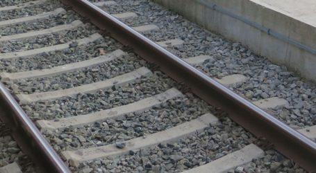 Τρένο παρέσυρε αυτοκίνητο στο Μεταξουργείο