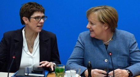 Η επιλεγμένη ως διάδοχος της Μέρκελ, Κραμπ-Καρντενμπάουερ, δεν θα διεκδικήσει την καγκελαρία το 2021