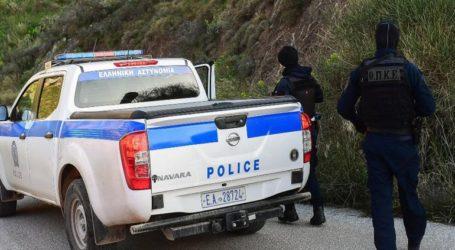 Αρματωμένος περιμένει την… σύλληψη ο 43χρονος δράστης
