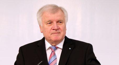 O Zέεχοφερ προειδοποιεί για νέα προσφυγική κρίση