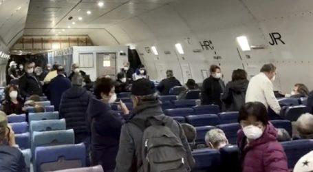 Αποβιβάζονται 500 επιβάτες από κρουαζιερόπλοιο σε καραντίνα στην Ιαπωνία