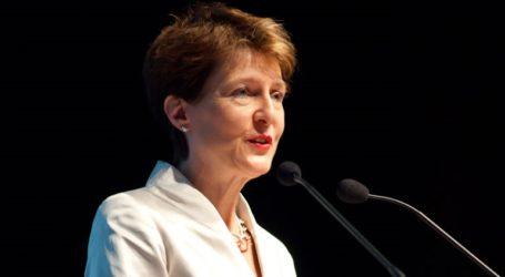 Η πρόεδρος της Ελβετίας θα γιορτάσει τα 60α γενέθλιά της με όσους γεννήθηκαν την ίδια ημέρα με εκείνη