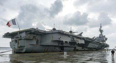 Το «Σάρλ Ντε Γκωλ» αγκυροβολημένο στο λιμάνι της Λεμεσού