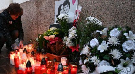 Χιλιάδες διαδηλωτές στη μνήμη του δολοφονηθέντος δημοσιογράφου Γιαν Κούτσιακ