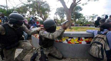 Αϊτή: Αστυνομικοί που διαδήλωναν επιτέθηκαν στο αρχηγείο του στρατού