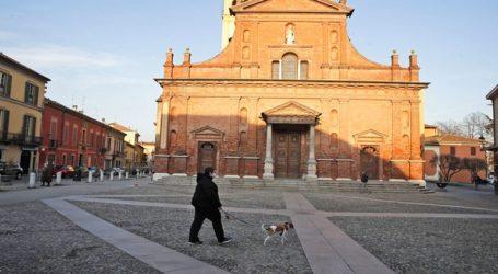«Η Ιταλία έσφαλε που δεν έλεγξε τους επιβάτες τράνζιτ από την Κίνα», υποστηρίζει μέλος του ΠΟΫ