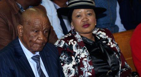 Τη ασυλία του επικαλείται ο πρωθυπουργός του Λεσότο που θεωρείται ύποπτος για τον φόνο της συζύγου