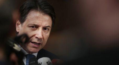 Ο περιφερειάρχης της Λομβαρδίας επιτίθεται στον Ιταλό πρωθυπουργό