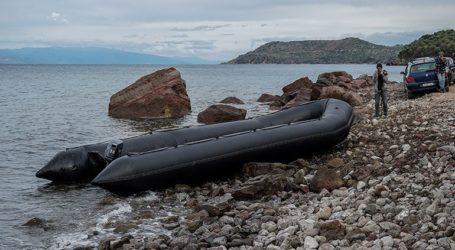 Με πλαστική βάρκα έφτασαν 27 Αφρικανοί
