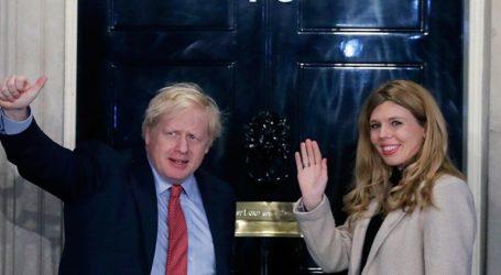 Το πρώτο τους παιδί περιμένουν ο πρωθυπουργός Μπόρις Τζόνσον και η σύντροφός του Κάρι Σίμοντς