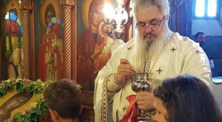 Βόλος: Επιφυλακτικοί οι πιστοί με τη θεία μετάληψη λόγω κορωνοϊού – Τι απαντά η Εκκλησία