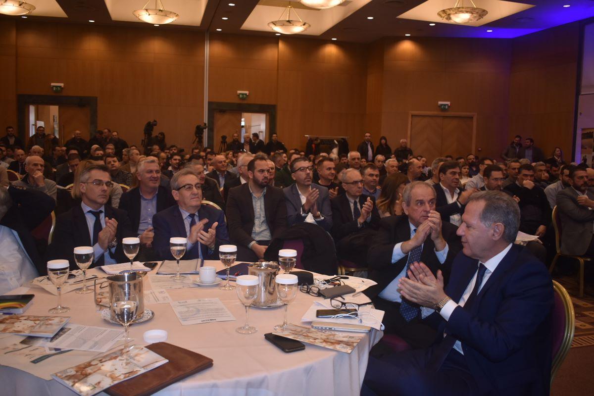 Άνοιξε για πρώτη φορά τις «πύλες» του στη Λάρισα το 1ο Συνέδριο για το βαμβάκι (φωτο)