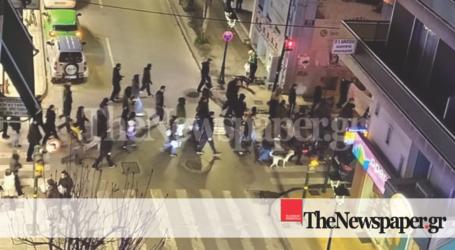 Πορεία της κατάληψης Ματσάγγου στο κέντρο του Βόλου [εικόνες]