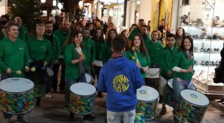 Παραδοσιακά μουσικά δρώμενα στο κέντρο του Βόλου [βίντεο]