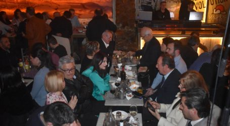 Πλήθος κόσμου στη φιλική βράδια της «Συμπαράταξης Λαρισαίων» – Καλογιάννης: Παρακαταθήκη μας για τη Λάρισα είναι η ίδια η Συμπαράταξη (φωτό)
