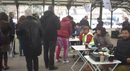 """Μεγάλη η προσέλευση των Λαρισαίων στην """"Αγορά καταναλωτών χωρίς μεσάζοντες""""  (φωτο)"""