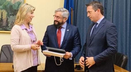 Η Ζέττα Μακρή υποδέχθηκε τον Πρέσβη του Μεξικού ως πρόεδρος της Ομάδας Φιλίας Ελλάδας – Μεξικού στο Ελληνικό Κοινοβούλιο