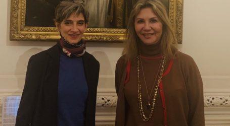 Συνάντηση της Ζέττας Μακρή με τη Βρετανίδα Πρέσβη Kate Smith