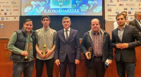 Η Ελληνική Ομοσπονδία Ποδηλασίας βράβευσε τον Περιφερειάρχη Θεσσαλίας για το έργο του Ποδηλατοδρομίου στον Βόλο