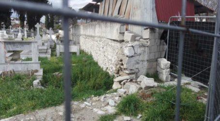 """""""Ντροπή για τη Λάρισα και πληγή"""" το Παλαιό Κοιμητήριο – Νέα καταγγελία για την κατάστασή του (φωτο)"""