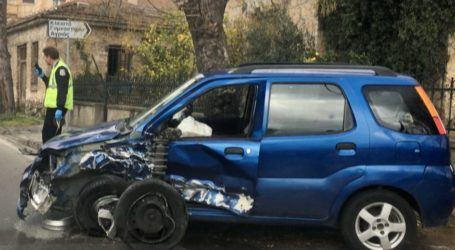 Βόλος: Τροχαίο με τρεις ελαφρά τραυματίες στην Αγριά [εικόνες]