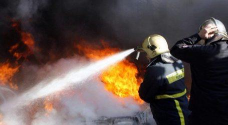 Στις φλόγες ΙΧ αυτοκίνητο στο Βελεστίνο