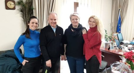 Τον δήμαρχο Τεμπών επισκέφθηκε αντιπροσωπεία της διοίκησης του Συλλόγου Γυναικών Πυργετού