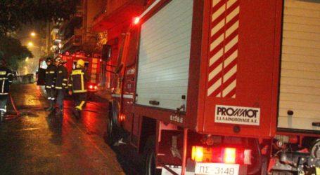 Βόλος: Φωτιά σε διαμέρισμα τα ξημερώματα – Από θαύμα γλίτωσαν οι ένοικοι