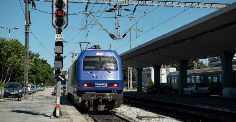 treno larissa stathmos 780x405