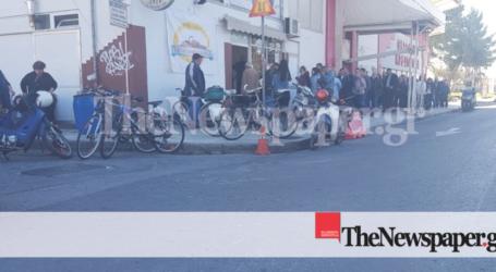 Βόλος: Απίστευτη «ουρά» για ένα κομμάτι χαλβά! [εικόνες]