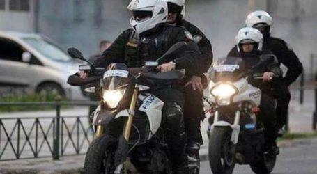 Βόλος: Συνεχείς περιπολίες της Αστυνομίας για την εφαρμογή του νόμου για τον κορωνοϊό – Νέες εικόνες από τον έρημο Βόλο