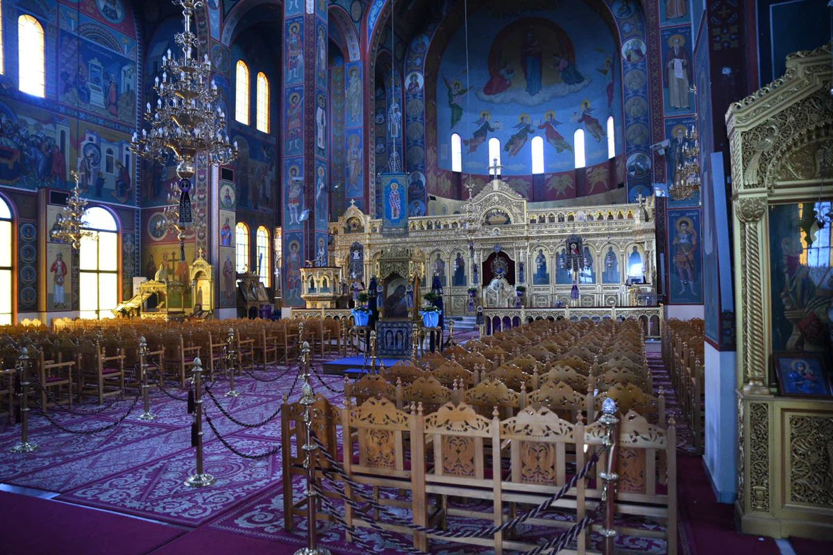 Άδειες εκκλησίες και αυτή την Κυριακή στη Λάρισα – Ιερώνυμος: Ο Θεός και η εκκλησία ξέρουν να στηρίζουν τον άνθρωπο και να τον κάνουν να αντέχει (φωτο)